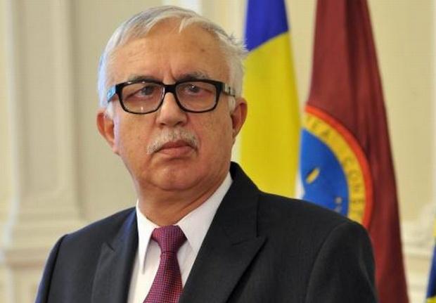 Augustin Zegrean: 'Nicio sesizare la CCR nu suspendă moțiunea. Moțiunea trebuie dezbătută la 3 zile după citire'