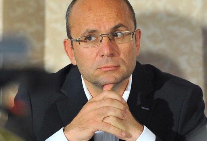 """Cozmin Gușă, despre apariția lui Liviu Dragnea: 'Evoluează public """"pe butoane"""", adică are un protector din umbră pe care este posibil chiar să-l fi evocat aseară'"""