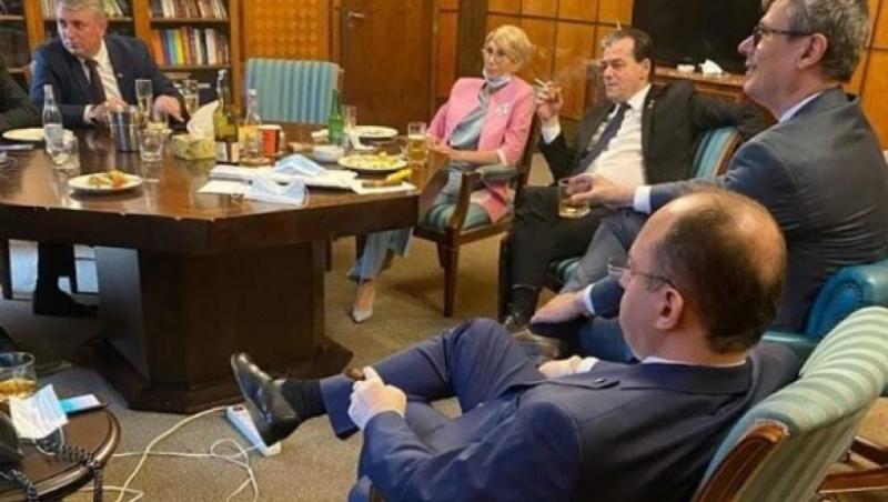 Ludovic Orban nu ține cont de reguli! A fost din nou 'prins' la fumat