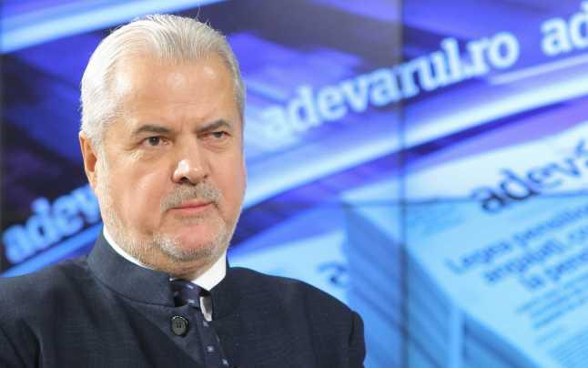 Adrian Năstase: 'Prin intermediul unor presiuni, Klaus Iohannis încearcă să peticească cabinetul Cîțu, dar va fi greu să reziste această căruță până în 2024'