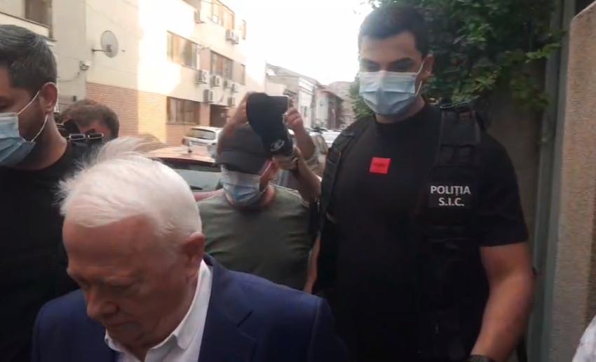 Marian Ceaușescu s-a dus cu cătușe acasă la Viorel Hrebenciuc: Credeați că scăpați de pușcărie?