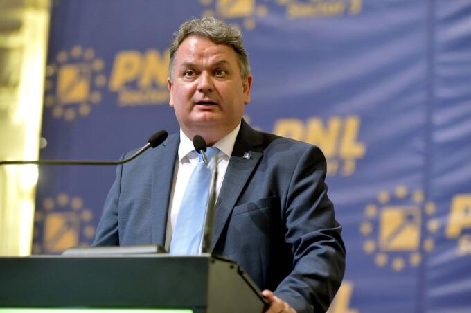 Virgil Guran îl avertizează pe Florin Cîțu: 'Dacă la Dâmbovița primarii nu sunt băgați în seamă pentru alocarea de fonduri pentru probleme curente, o să am o reacție foarte virulentă'